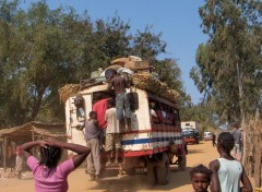 Wallpapers Trips : Africa Vive le taxi-brousse !
