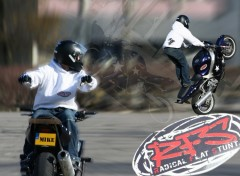 Fonds d'�cran Motos Stunt 3