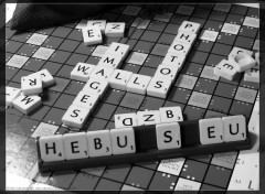Fonds d'cran Objets Une partie de Scrabble