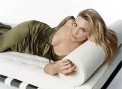 Fonds d'�cran C�l�brit�s Femme Image sans titre N�182681