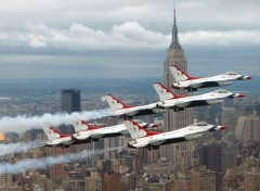 Fonds d'�cran Avions Thunderbirds over New York