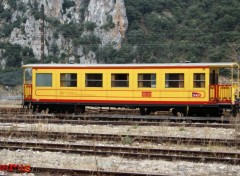 Fonds d'�cran Transports divers Train Jaune