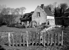 Fonds d'�cran Voyages : Europe Maison normande et son moulin
