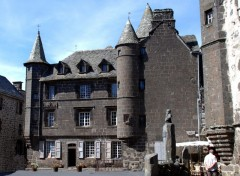 Fonds d'�cran Constructions et architecture Baillage de Salers ,Cantal 15