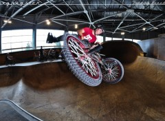 Fonds d'�cran Sports - Loisirs bmxgangster team - thomas benedetti