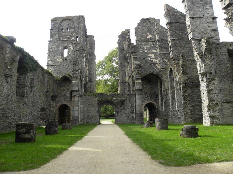 fonds d 39 cran constructions et architecture fonds d 39 cran ruines vestiges ruine de l 39 abbaye. Black Bedroom Furniture Sets. Home Design Ideas