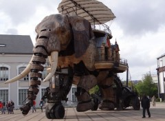 Constructions et architecture �l�phant Machine de l'�le