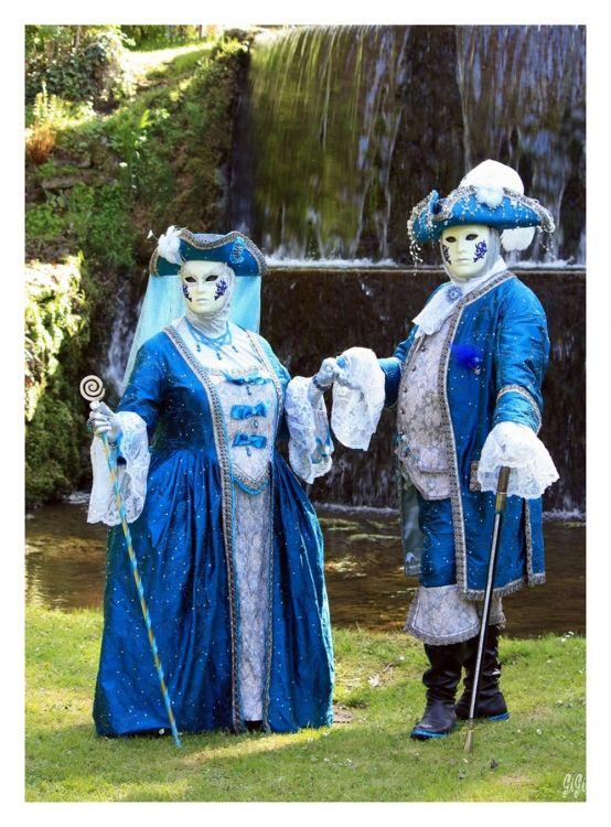 Fonds d 39 cran hommes ev nements fonds d 39 cran carnavals costumes ch teau jardins d for Ecran de jardin belgique